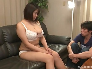 Dude can't get enough be expeditious for eating out Chubby Haruna Hana