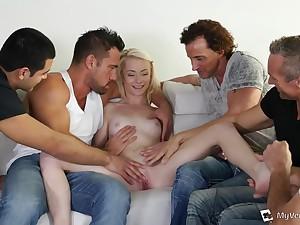 Five Guys Get Laid 18Yo Schoolgirl