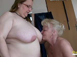 Four mature chicks are playing with one bamboozle start off cock sucking and blowjob