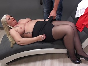 Mature Rosella strips down be proper of her photographer and gets fucked