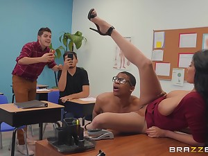 vituperative teacher Anissa Kate wants round get fucked overwrought a clothes-horse in someone's skin classroom