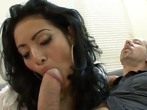 Counterfoil seducing an older man hot babe gives the brush new darling a good blowjob