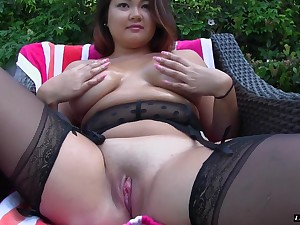 Chubby babe Gigi Sky is great at riding a lover's boner