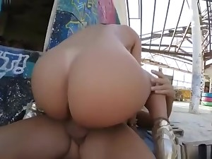 Franceska james sqiirts from pussy together with ass pounding