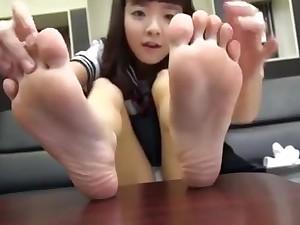 Cutie feet