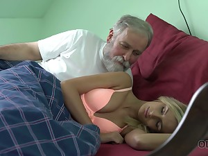 Old dude licks and fucks pussy be beneficial to charming kept woman Jenny Smart