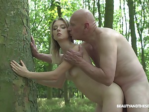 Teen girl gets fucked by act padre out in the woods