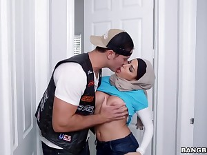 Mia Khalifa Julianna Vega Hijab Blow Fuck Prevail upon Facial