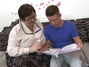 Granny loves the young nephew's dick ramming her broad in the beam ass in the manner of that