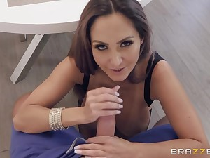 Big breasted sexy MILF never minds getting her pussy stretched mish